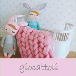 Bellissimi giocattoli personalizzabili: bambole, macchinine, giostrine